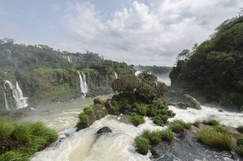 Hjälpmedel för vattenfallet Iguacuwalls arkivfoto