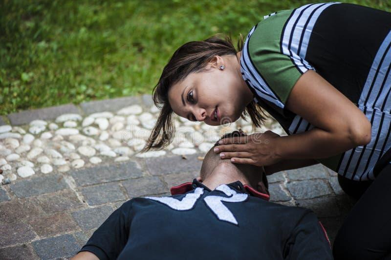 Hjärt- massage arkivbilder