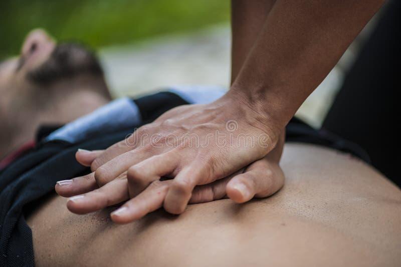 Hjärt- massage arkivfoto