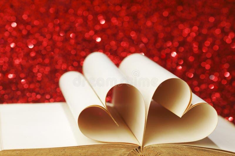 Hjärta formade boksidor fotografering för bildbyråer