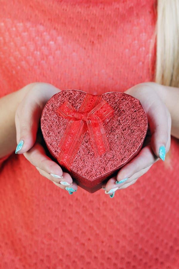 Hjärta-format boxas royaltyfria bilder