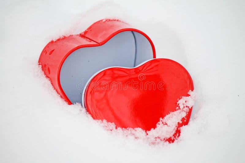Hjärta och snö arkivfoto