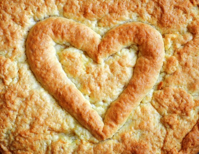 Hjärta på pajen för valentin dag, årsdagar royaltyfri fotografi