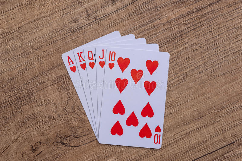 Hjärtadräkt som spelar kort royaltyfria foton