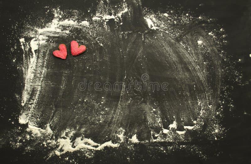 hjärtaförälskelsekaka Kakor för dag för valentin` s formad kakahjärta royaltyfria bilder