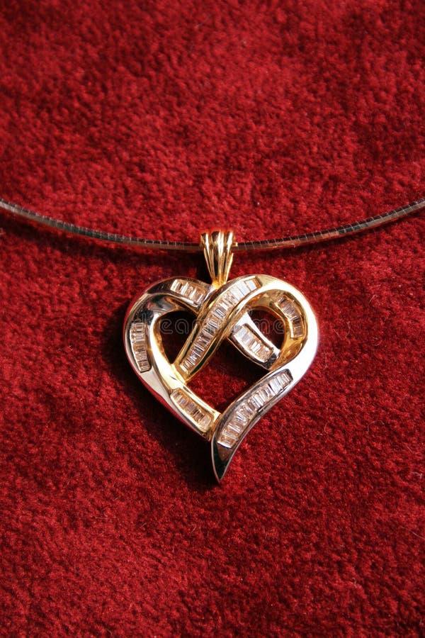 Download Hjärtahänge arkivfoto. Bild av elegans, fromhet, juvel - 505782