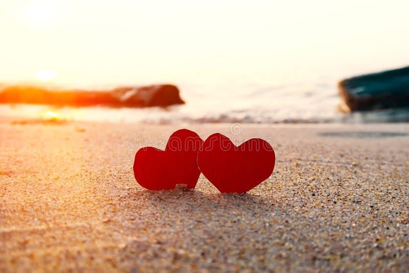 Hjärtor på kusten royaltyfri foto