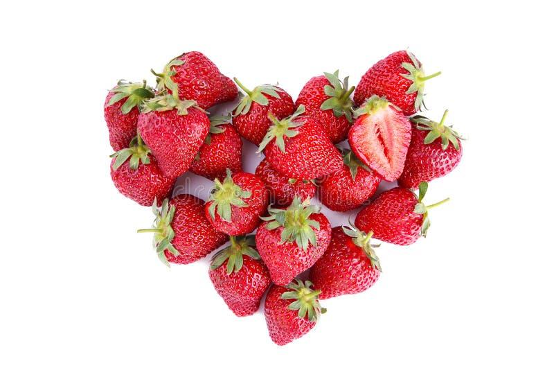 Hj?rta som g?ras fr?n jordgubben som isoleras p? vit bakgrund Frukter bantar begrepp B?sta sikt, h?g uppl?sningsprodukt royaltyfri foto