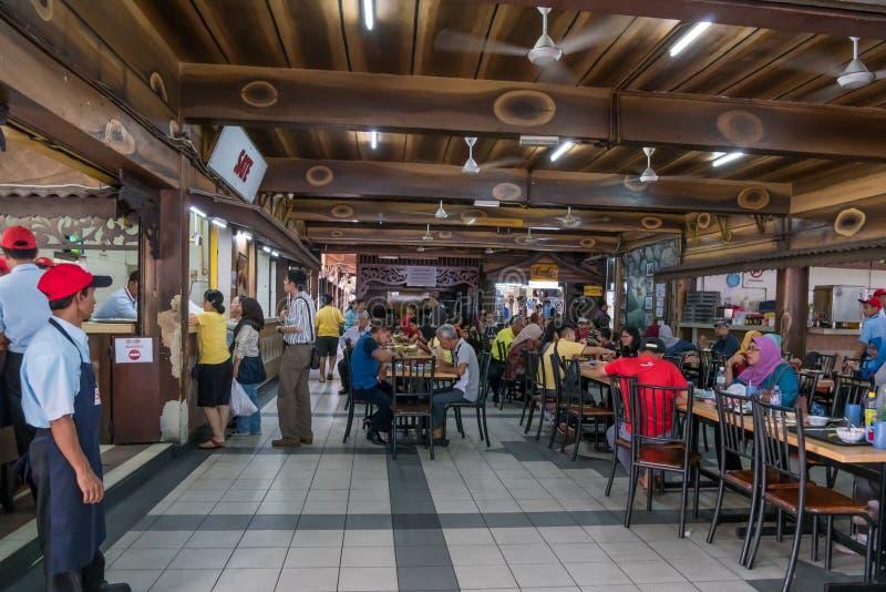 HJ Samuri известный satay ресторан в городке Kajang и оно расположено как раз рядом с станцией MRT стоковое фото rf
