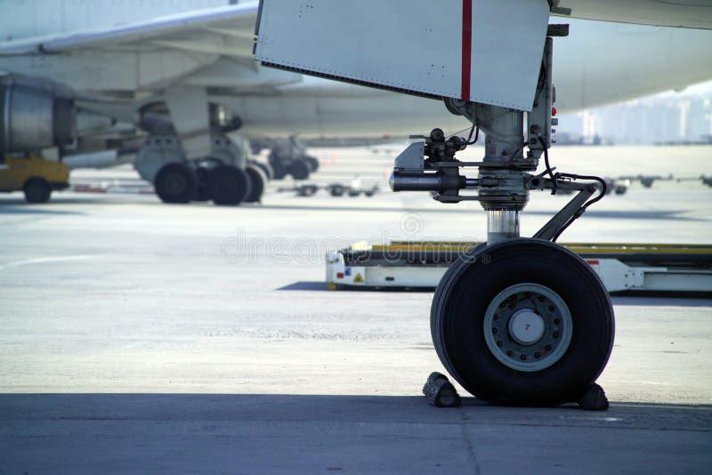 hjul för flygplan s royaltyfria bilder