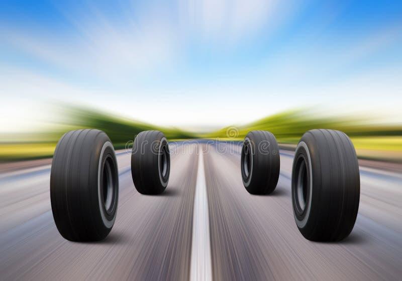Hjul rusar på hastighetsvägen arkivfoton