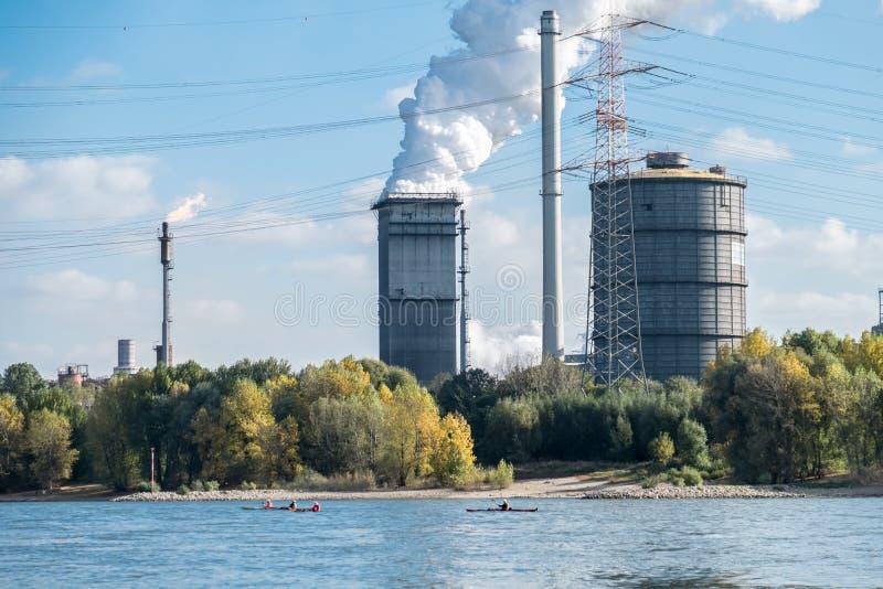 HKM inscenizowania stal blisko do rzecznego Rhine obrazy stock