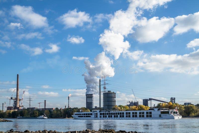 HKM inscenizowania stal blisko do rzecznego Rhine fotografia royalty free
