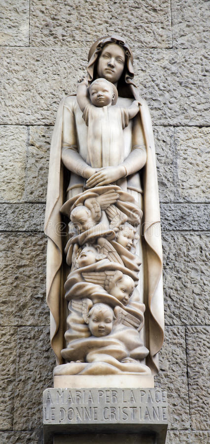 Download Hl. Mary modern statue stock photo. Image of modern, mary - 14861648