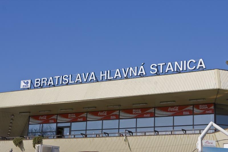Hlavna Stanica den huvudsakliga järnvägsstationen Bratislava Slovakien Europa royaltyfri bild