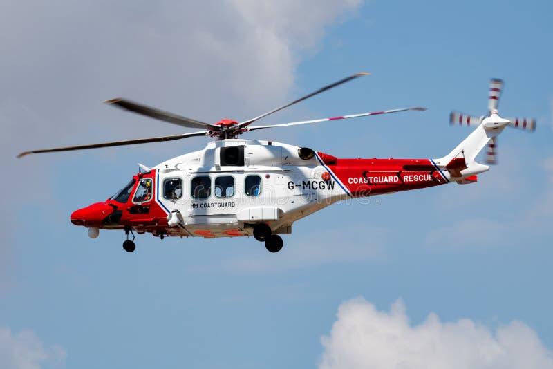 HM Coastguard AgustaWestland AW-189 G-MCGW przylot i lądowanie helikoptera ratunkowego do RIAT Royal International Air fotografia royalty free