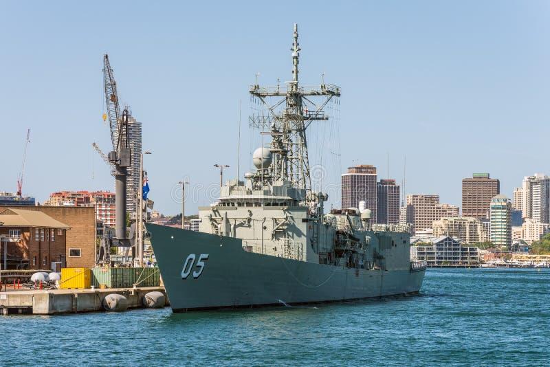 HMAS墨尔本(iii)澳大利亚海军在悉尼Harb靠了码头 库存照片