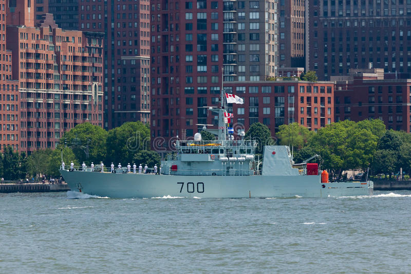 HMCS Kingston bij Vlootweek stock afbeeldingen
