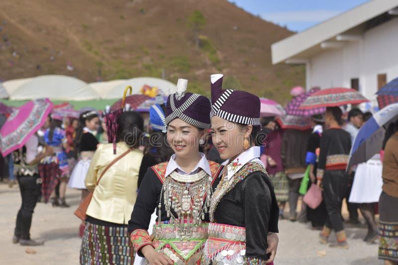 Hmong礼服在新年 库存图片