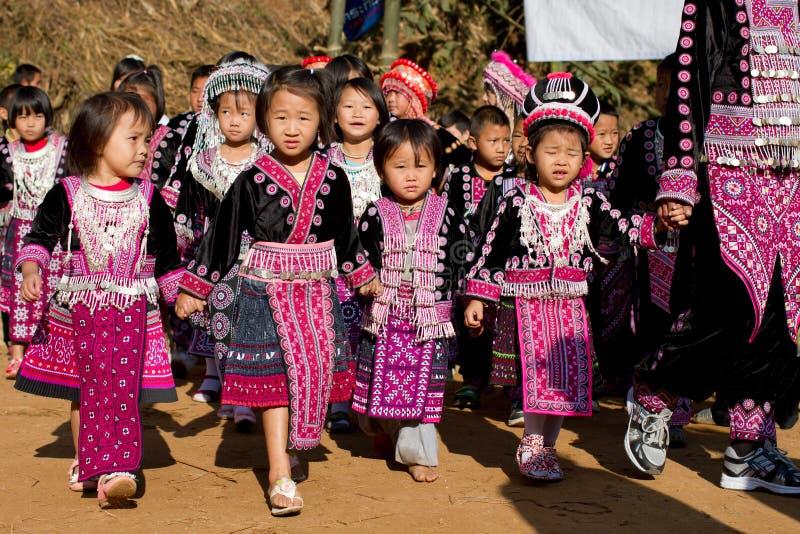 Hmong Hügel-Stammkinder stockfoto