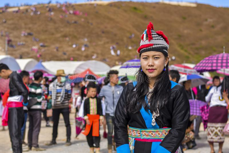 Hmong kvinnor med traditionsdressingen arkivbild