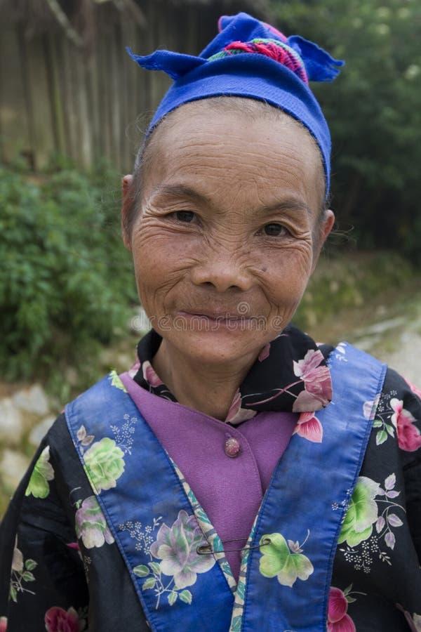 Hmong, mujer mayor en Laos fotos de archivo