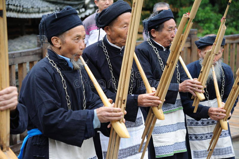 Download Hmong Musicians From Guizhou Perform On Lusheng Editorial Image - Image: 25442900