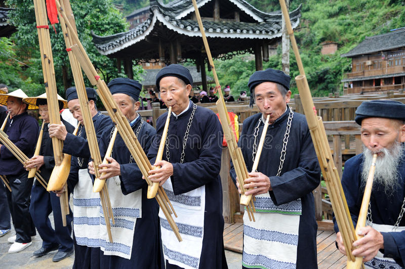 Download Hmong Musicians From Guizhou Perform On Lusheng Editorial Photo - Image: 25442931