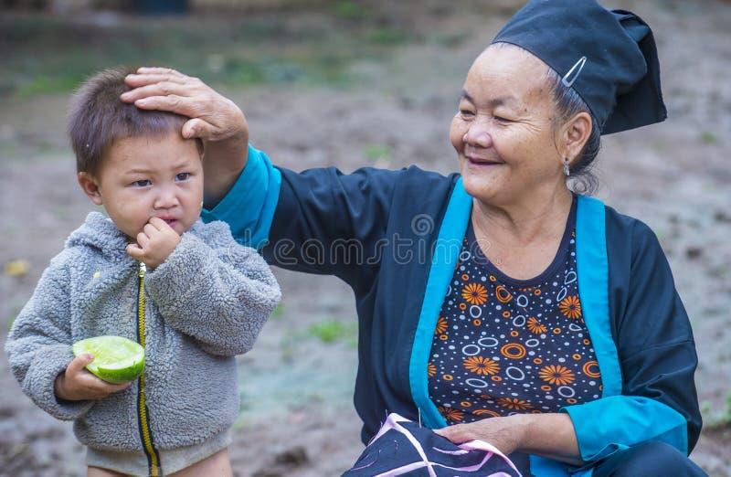 Hmongetnische minderheid in Laos stock foto