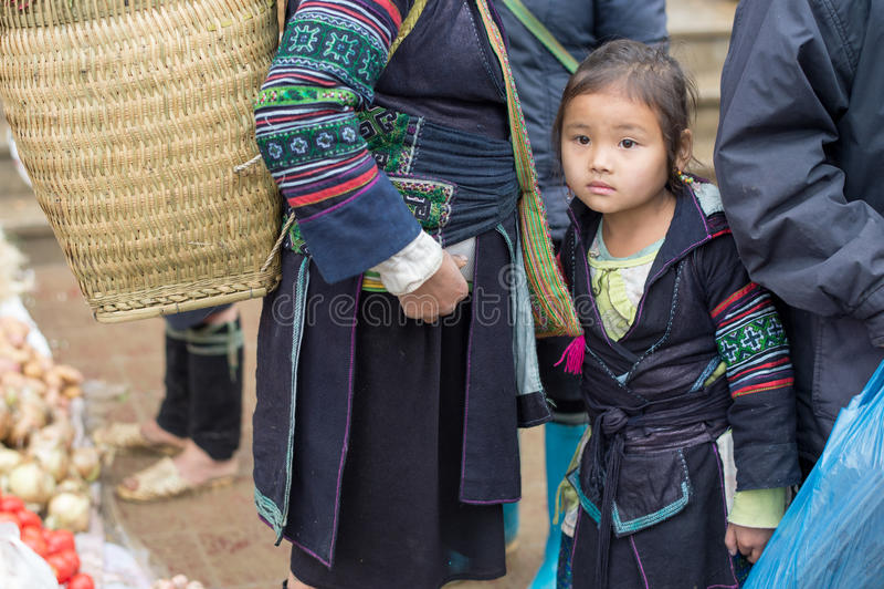Hmongvrouw in Sapa, Vietnam royalty-vrije stock afbeeldingen