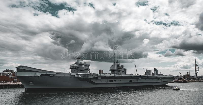 HMS女王伊丽莎白航空母舰 库存照片