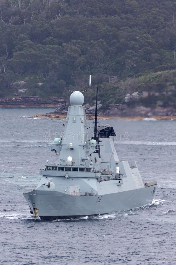 HMS敢键入45英国皇家海军离去的悉尼港口的大胆班的防空驱逐舰 库存图片