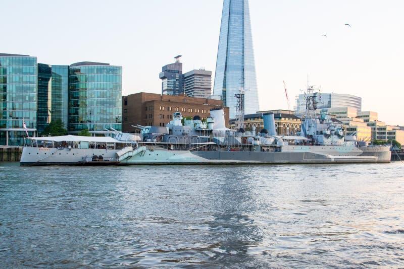 HMS Belfast is een museumschip stock fotografie