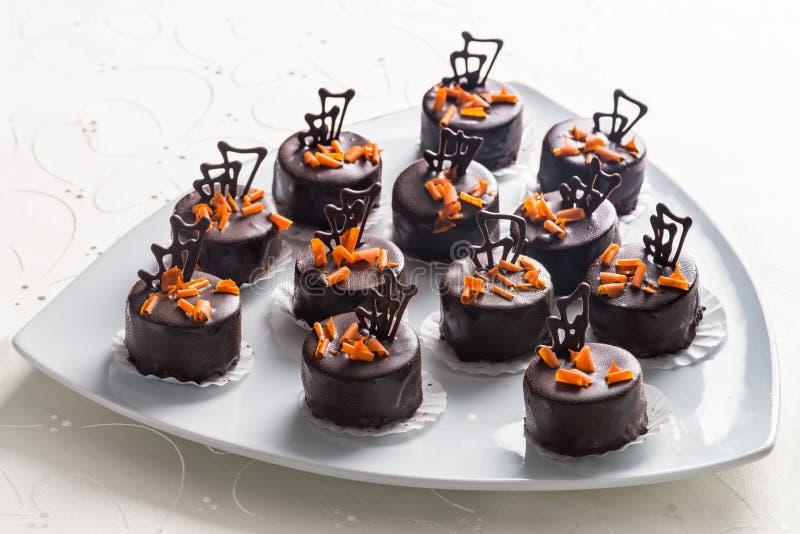 Hnadmade chokladkonfektar arkivfoton