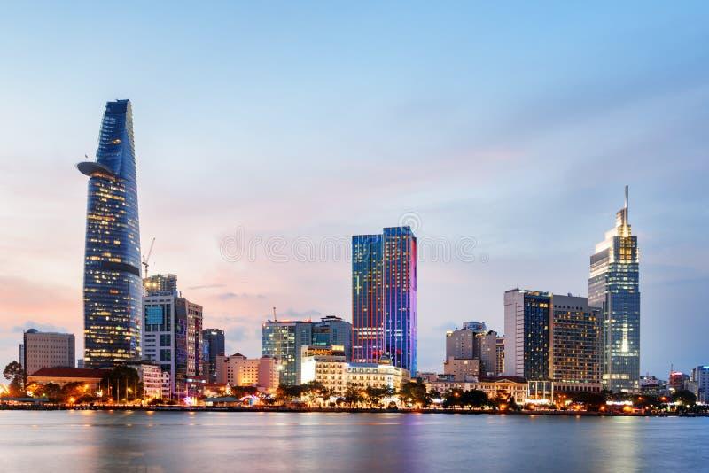 Ho Chi Minh City Skyline al tramonto Paesaggio urbano stupefacente fotografia stock