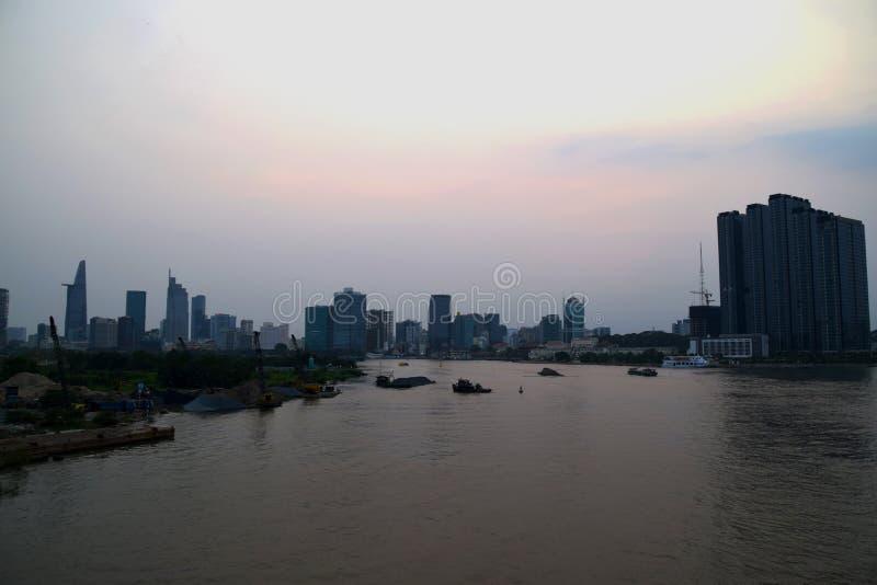 Ho Chi Minh City Skyline en la puesta del sol imágenes de archivo libres de regalías
