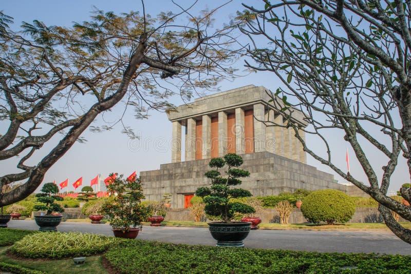 Ho Chi Minh Mausoleum nos vagabundos Dinh Square em Hanoi, foto de stock royalty free