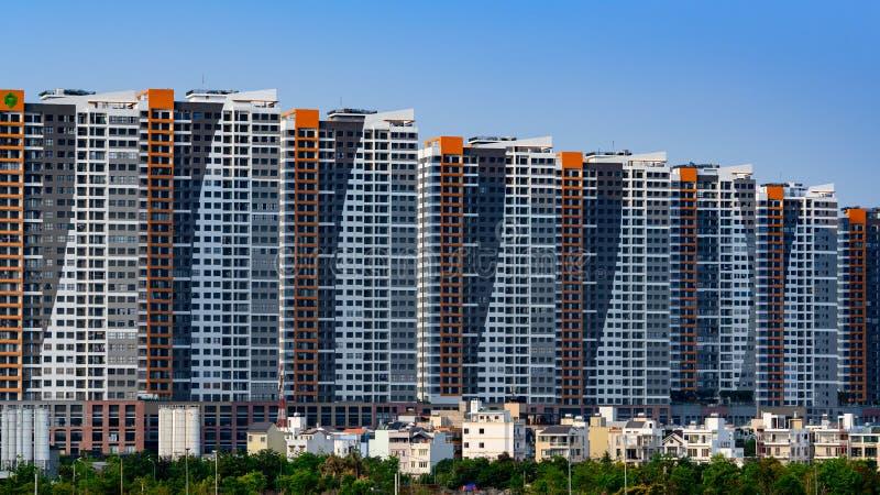 Ho Chi Minh miasto lub Saigon, Wietnam, wysocy mieszkaniowi mieszkania obraz royalty free