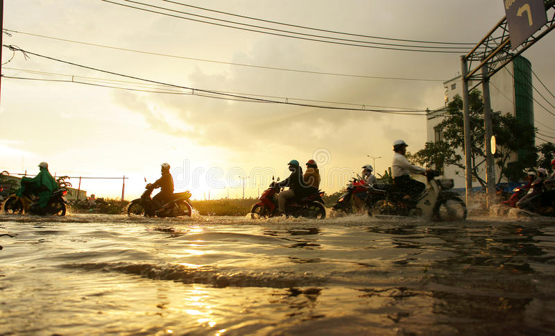Ho Chi Minh-stad, vloed, zonsondergang stock afbeelding