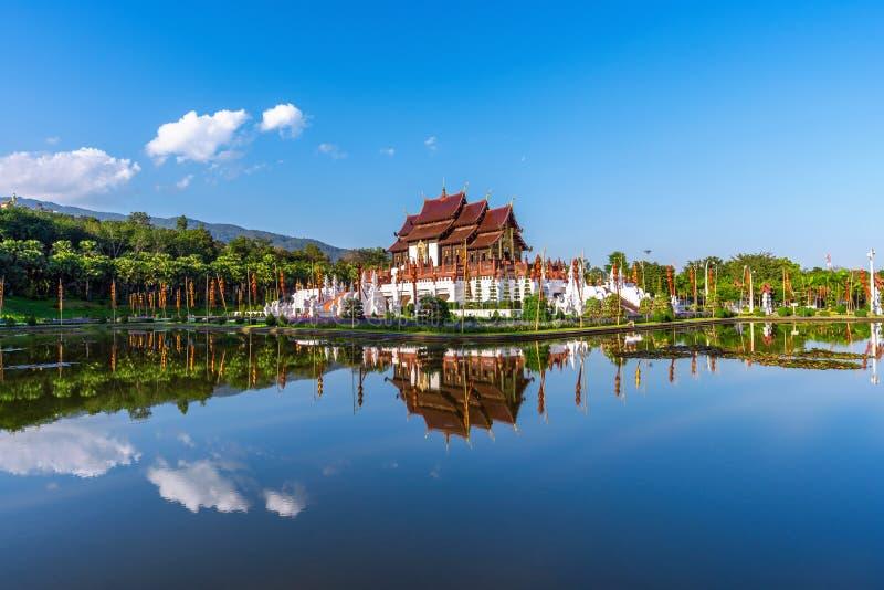 Ho estilo tailandês do norte do luang de kham no ratchaphruek real da flora em Chiang Mai, Tailândia imagens de stock royalty free