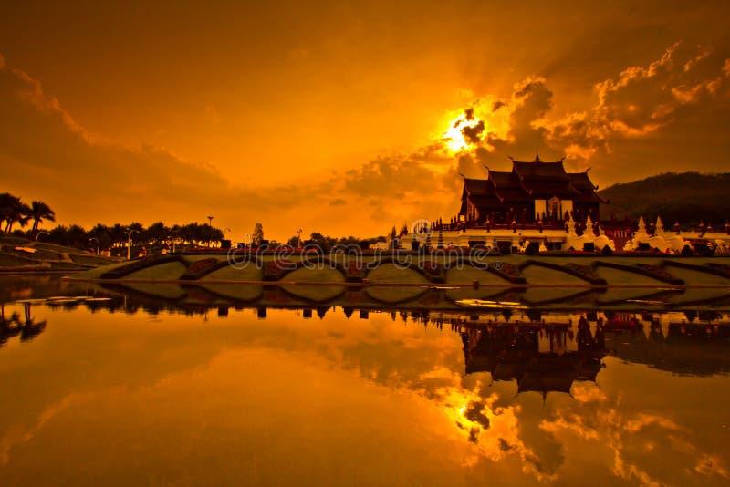 Ho Kham Luang nel tramonto immagini stock libere da diritti