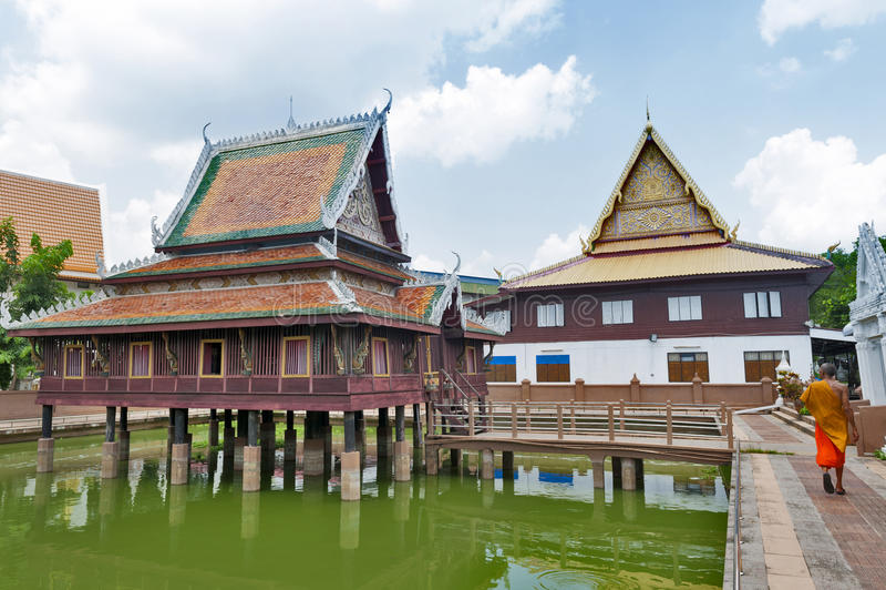 Ho Trai -传统泰国式大厦使用作为那的图书馆安置大藏经Tripitakal在Wat Mahathat寺庙 库存图片