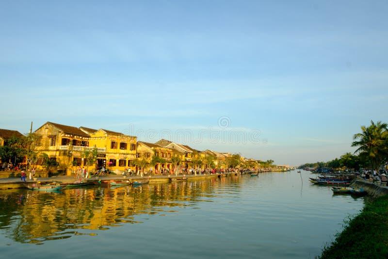 Hoai-Fluss in alter Hoian-Stadt, Vietnam Hoian wird erkannt stockbilder