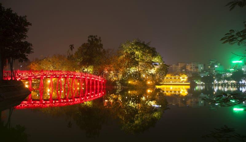 Hoan Kiem jezioro Noc widok w Hanoi obraz royalty free