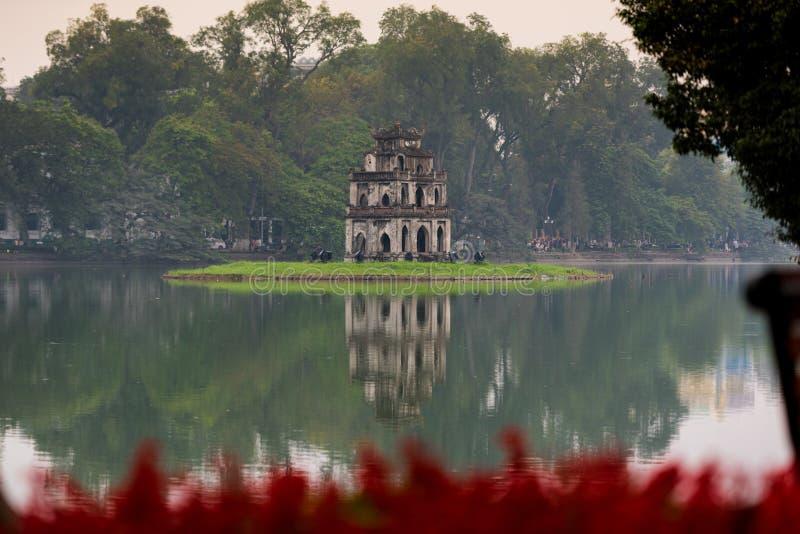 Hoan Kiem Kordzik jeziorny jezioro, Ho Guom zdjęcie royalty free