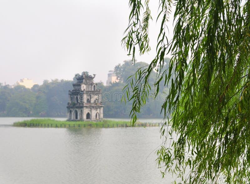 Hoan Kiem lake, Hanoi arkivbilder