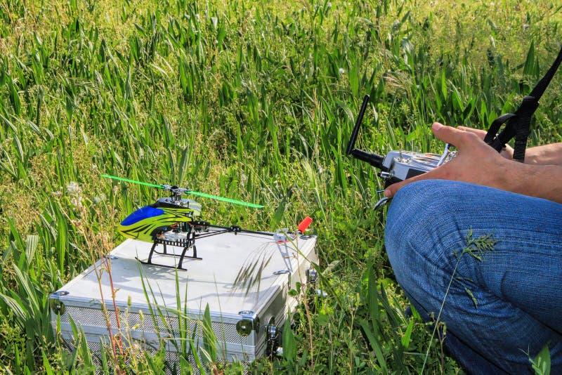Hobby di modello dell'elicottero radiocomandato fotografie stock