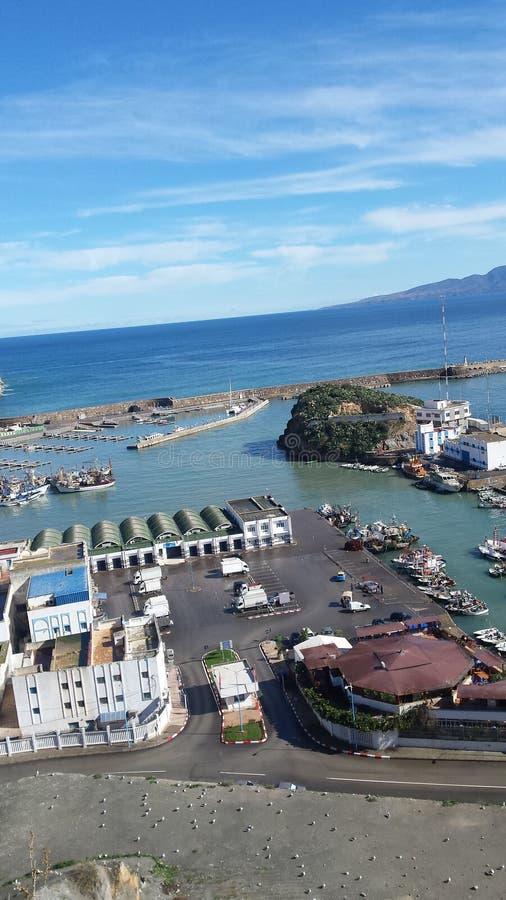 Hoceima del al del puerto visto de antemano de la ciudad fotografía de archivo