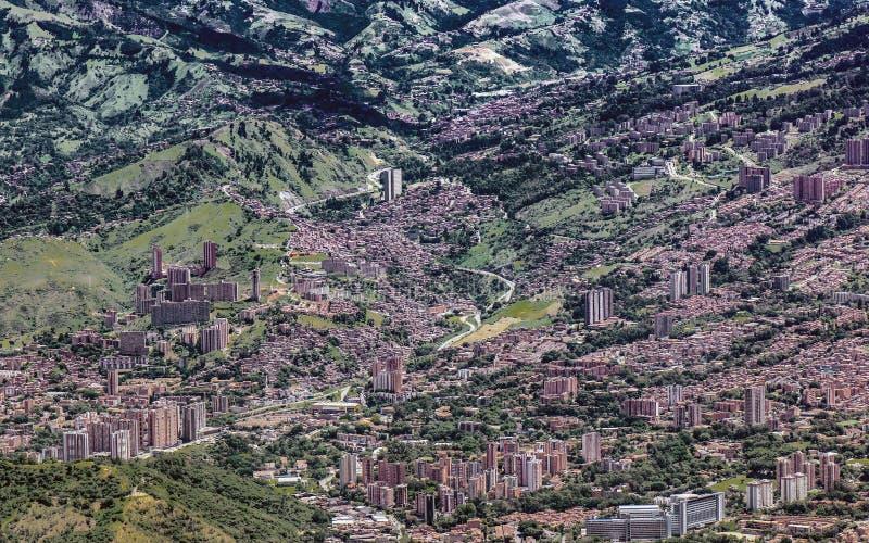 Hoch gelegene Ansicht der Stadt von Medellin B stockfoto