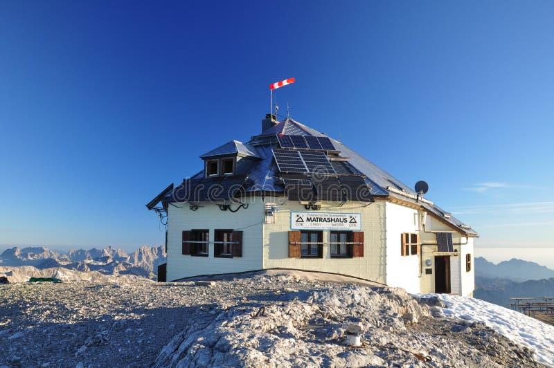 Hochkoenig山顶的Matrashaus避难所在奥地利 库存照片